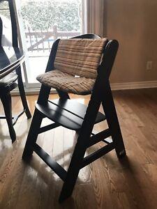Chaise haute en bois Hauck Alpha + pour 6 mois à 10 ans