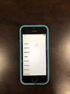 iPhone 5S 64 Gig - (Fully Wiped)