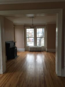 Large 5 bdrm Victorian House Downtown Dartmouth