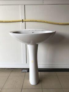 Mansfield Pedestal Sink
