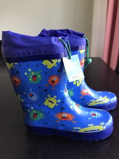 Childrens brand new Clarks rubber boots