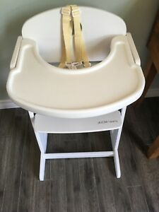 Guzzie and Guss 215 Buffet high chair