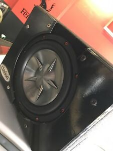 ^** CLARION SUBWOOFER IN MATCHING CLARION BOX! PERFECT TRUCK BOX