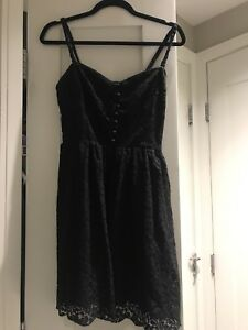 Aritzia dress size 6