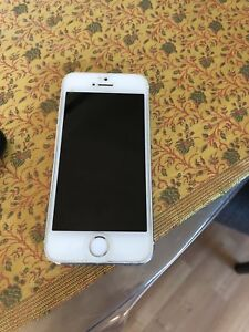 UNLOCKED Iphone 5s white 16GB Excellent condition - $130
