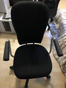 Chaise de bureau roulante
