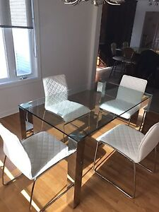 Beautiful dining table ! Only 380$