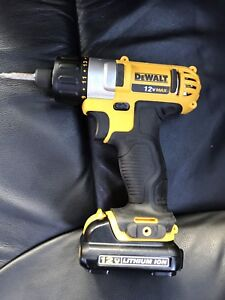 DEWALT 12V Max Lithium Ion Screwdriver Kit