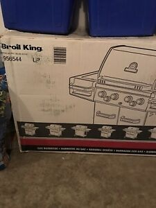 BROIL KING REGAL 490 PRO  propane