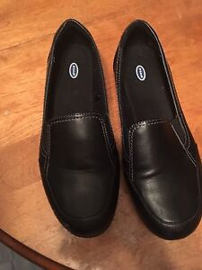 Womens shoes, size 10 wide
