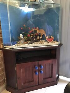 Fish tank corner with stand cabinet