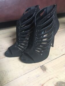 Size 7 Jessica Simpson heels