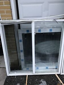 Single slider vinyl window with thermo glass