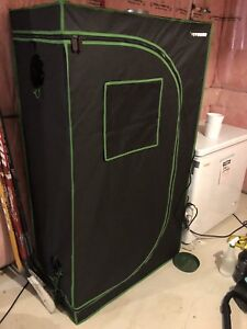 Hydroponic Grow Tent with Accessories