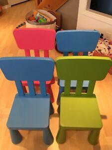 4 chaises pour enfants