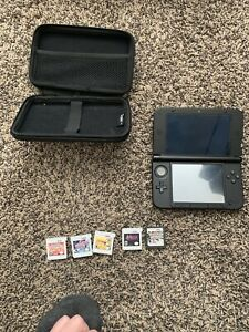 Nintendo 3DS xl and games and case