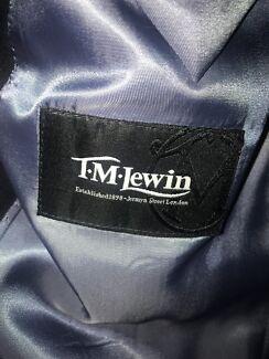 Men's navy suit  *Never worn