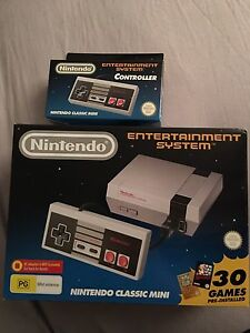 Nintendo Mini NES + Extra Controller Stratton Swan Area Preview