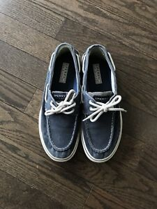 For Sale: Men's size 9 Sperry Top Sider shoes - only worn once!