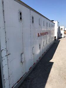 Boite de van pour animaux 28 pieds