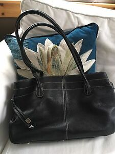 Daniel Black leather purse