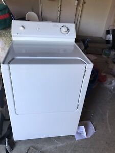 Very new condition MAYTAG DRYER can DELIVER