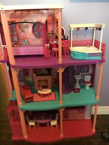 Barbie house and cruise ship