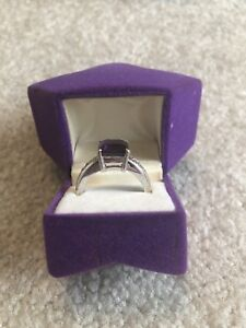14 k white gold amethyst ring
