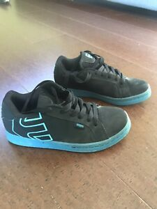 Etnies skate shoes size 7