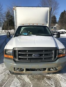 2001 camion Ford f350 cube 12 pieds roues doubles
