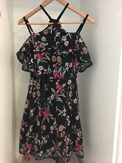 Portmans off-shoulder dress size 8