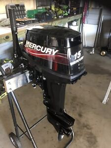 Boat outboard motor 2014 15hp super Mercury excellent condition
