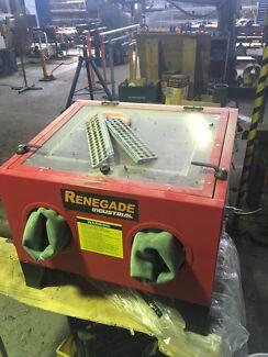 Renegade sandblast enclosure and gun