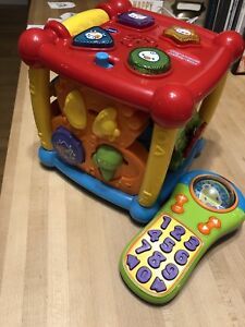 Toddler toy vtech cube and remote