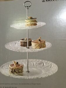 Pastries or sandwich server