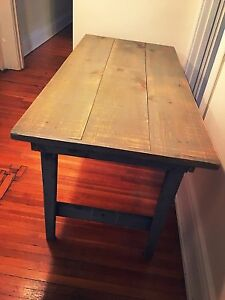 *SOLID PINE BARN WOOD DINING TABLE*