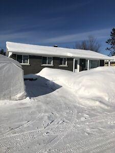 Maison style bungalow plein pied  négociable 154 000 $