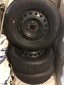 SNOW TIRES 195/60R15 GREAT CONDITION