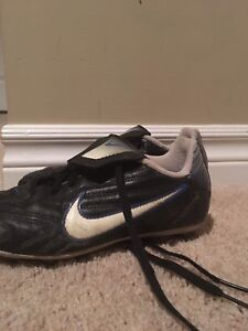Kids Nike soccer shoes size 2