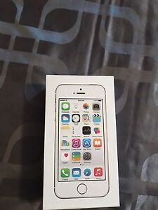 iPhone 5s 32g MINT CONDITION