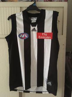 AFL Collingwood jersey & scarf