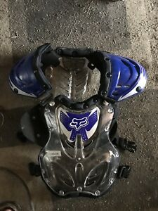 Fox youths chest protector