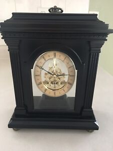 Excellent condition St. Andrews table clock