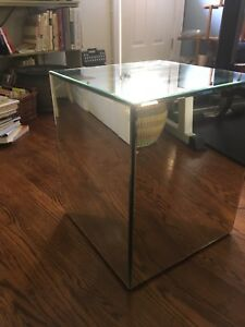Mirror cube table 19.25 x 16x 16 inches