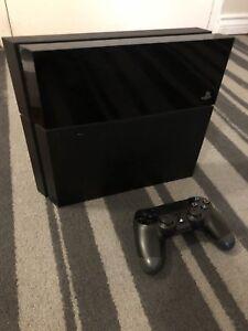 PS4 500 GB - Original Box, Cords, Controller