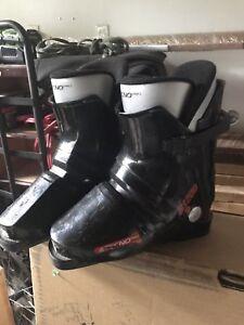 Boys ski boots 215mm