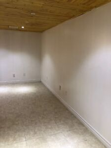 $1700 JANURAY 1 DECEMBER 1 TOWNHOUSE FOR RENT