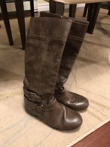 Girls size 2 1/2 riding boots from Nine West