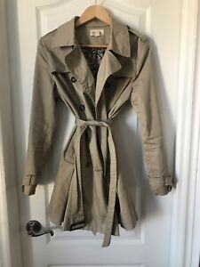 Spring women's trench