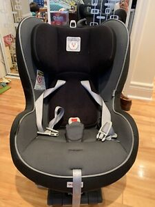 Peg Perego Primo Viaggio Convertible Car Seat - great condition